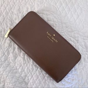 FLASH SALE! 💫 Kate Spade Deep Mauve Large Wallet